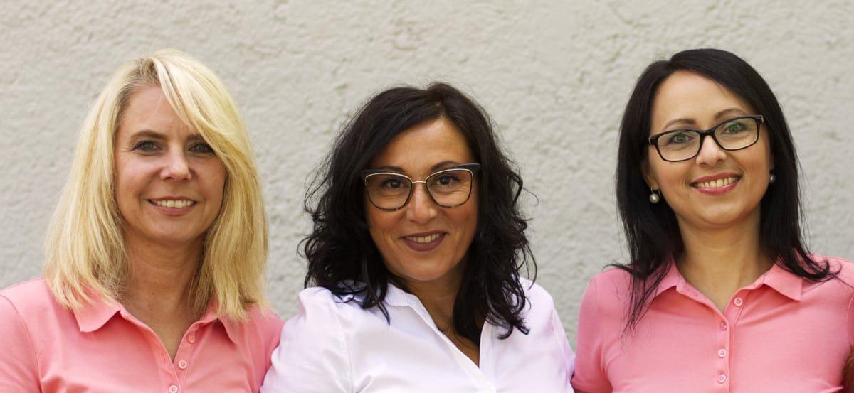 Praxisteam Dr. Isabella Wilden - Herzlich willkommen wir sind gerne für Sie da - Prüfeninger Straße 21 93049 Regensburg Telefon: (0941) 41236 Fax: (0941) 447357 Email: info@aerztin-regensburg.de